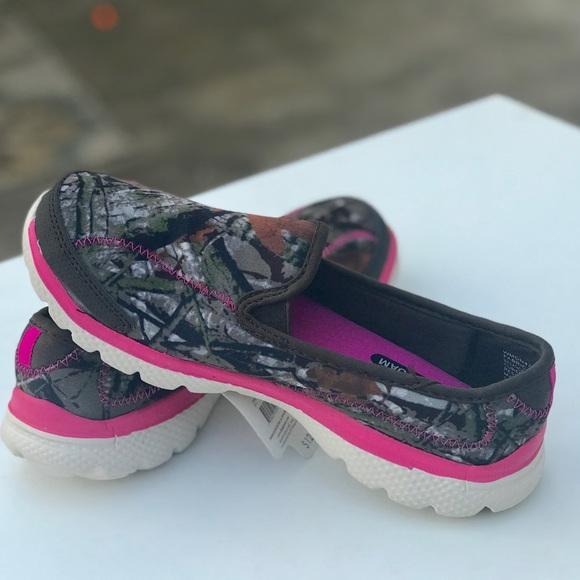 Danskin Memory Foam Slip On Women Athletic Shoe Pink Size 7 NWT Lightweight